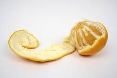Orange enlevée par main. Image libre de droits
