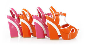 Orange et fuchsia colore des chaussures de plate-forme Photos libres de droits