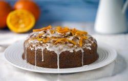 Orange et gâteau à la carotte Image stock