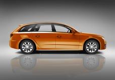 Orange Familien-Auto Lizenzfreie Stockfotografie