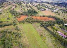 Orange Farbe des alten Behälters der Schwefelsäure natürlichen im Süden von Polen Stockbild