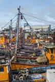 Orange Fischerboote im März Del Plata, Argentinien Stockbild
