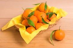 Orange frische Tangerinen lizenzfreie stockbilder