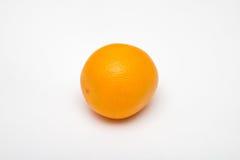 Orange Frucht auf weißen Hintergründen Lizenzfreie Stockfotografie