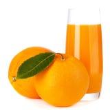 Orange Frucht und Saft getrennt stockfotos
