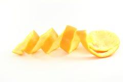 Orange fruktpeels i vit bakgrund Royaltyfri Fotografi