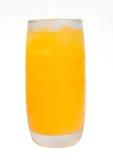 Orange fruktsaft och iskuber Arkivfoto