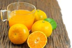 Orange fruktsafter Arkivfoton