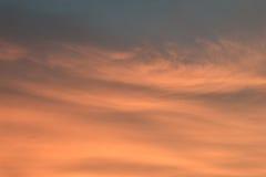 Orange Grau des Himmelhintergrundes Lizenzfreie Stockfotos