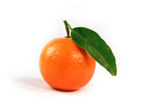 Orange with green leaf isolated Royalty Free Stock Photos