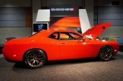 Orange Hellcat för Dodge utmanare SRT Arkivfoton