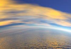 Orange Himmel und Ozean Lizenzfreies Stockfoto