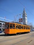 Orange historische Straßenbahn des F-Line MUNI Train, ursprünglich für Stockfotografie