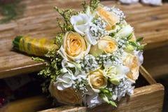 Orange Hochzeitsblumenstrauß Lizenzfreie Stockbilder