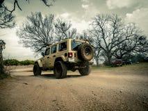 Orange Jeep Rock Crawling stockfotografie