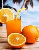 Orange Juice Drink Indicates Citrus Fruit und Getränk lizenzfreies stockbild