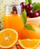 Orange Juice Drink Indicates Natural Fruit und fruchtig stockbild