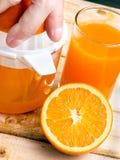 Orange Juice Fresh Indicates Tropical Fruit und Auffrischung stockfotografie