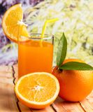 Orange Juice Healthy Represents Tropical Fruit und Lebensmittel stockfotografie