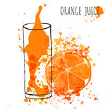 Orange Juice Splash, Aquarellillustration des Vektorhandabgehobenen betrages Orangensaft in skizziertem Glas mit spritzt Lizenzfreies Stockfoto
