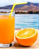 Orange Juice Squeezed Indicates Healthy Eating und frisch stockbild
