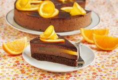 Orange kaka för chokladmousse Arkivbild