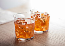 Orange kaltes Sommercocktailgetränk Stockfoto