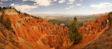 Orange Klippe und Unglücksboten in Bryce Canyon Stockfotos