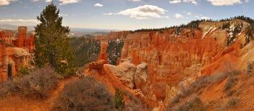 Orange Klippe und Unglücksboten in Bryce Canyon Lizenzfreies Stockbild