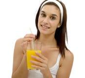 orange kvinnabarn för härlig fruktsaft Royaltyfri Bild
