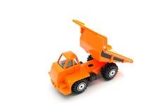 Orange lastbil på vit Arkivfoton