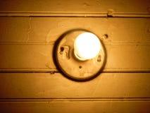 The orange lite. Ampoule Orange dans le platforms de la vielle Madison Stock Photography