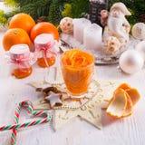Orange Messer, Julienne Peeler Lizenzfreie Stockbilder
