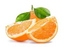 Orange mit den Scheiben lokalisiert auf einem weißen Hintergrund Stockfotografie