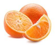 Orange mit den Scheiben lokalisiert auf einem weißen Hintergrund Lizenzfreies Stockfoto