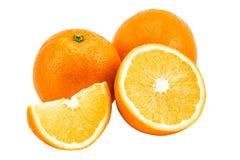 Orange mit den Scheiben lokalisiert auf einem weißen Hintergrund Stockbild