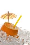 Orange mit Gefäß und Eis Lizenzfreies Stockfoto