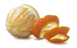 Orange mit Schnittschale lizenzfreie stockbilder