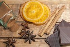 Orange mit Schokolade Stockfoto