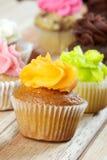 Orange muffin fotografering för bildbyråer