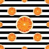 Orange nahtloses Muster und gestreifter Schwarzweiss-Hintergrund Stockfotografie