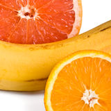 Orange, Pampelmuse und Banane lizenzfreie stockbilder