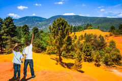 Orange and red hills in Provence Royalty Free Stock Photos