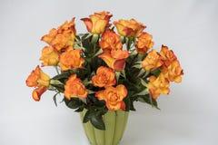 Orange Rosenblumenstrauß Lizenzfreie Stockfotos