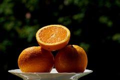 Orange savoureuse fraîche pendant l'été images libres de droits