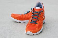 Orange Schuhe Stockfotos