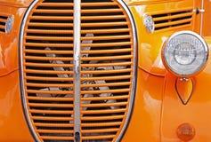 orange show för auto galler arkivfoton