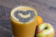 Orange Smoothie mit Apfelkiwi Gesundes Lebenkonzept Lizenzfreie Stockbilder