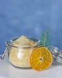 orange socker för gåva Arkivbild