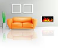 Orange Sofa und Kamin Lizenzfreie Stockfotografie